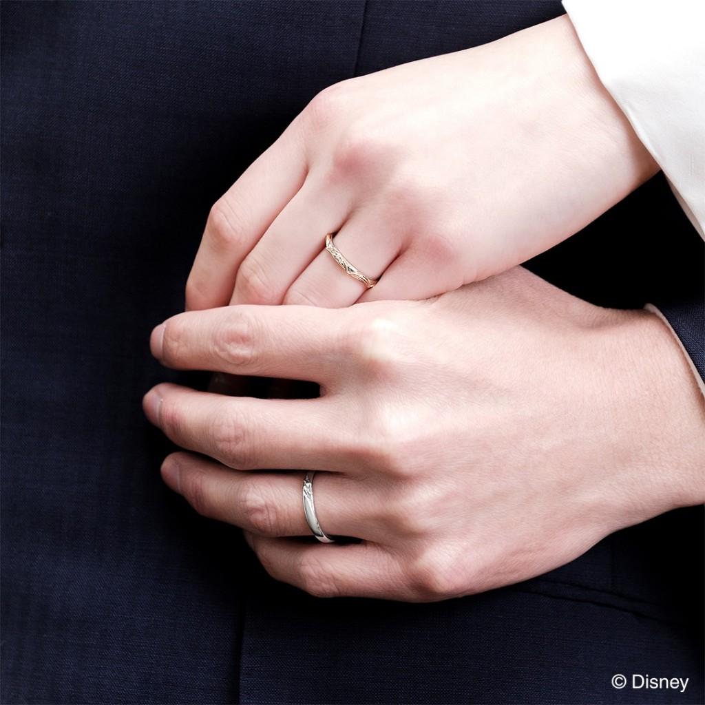 美女と野獣の新作結婚指輪着用