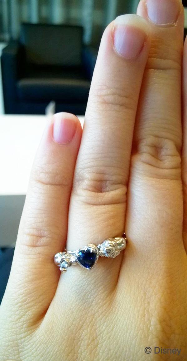 オーダーメイド婚約指輪の着用写真