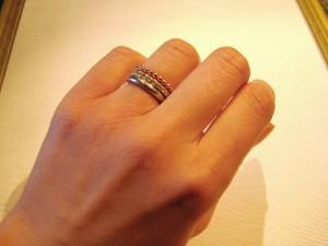 指輪の重ねづけ