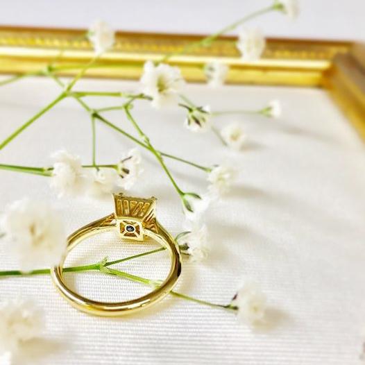 婚約指輪ゴールド_プリンセスカット2