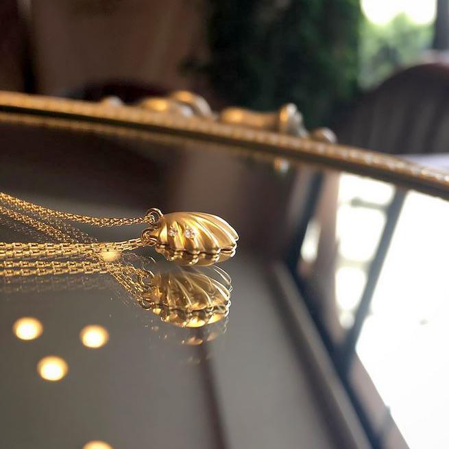 貝殻ネックレス1