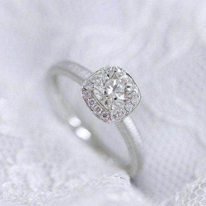 クワトロ婚約指輪1