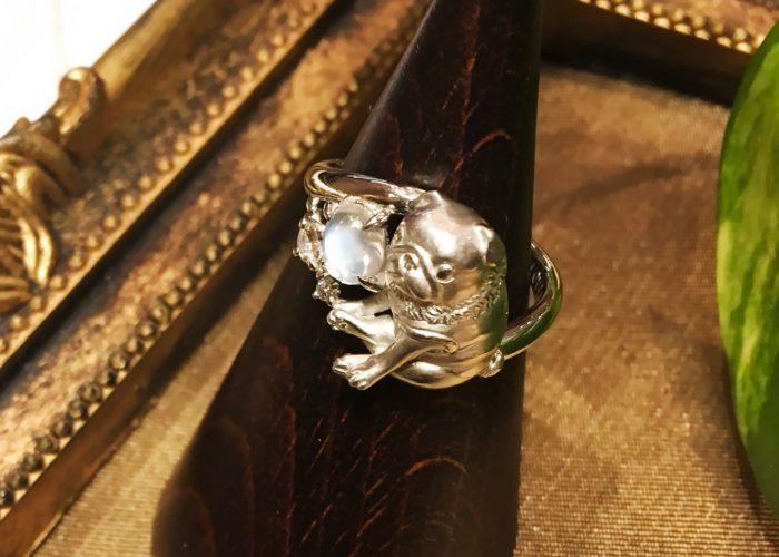 ペットの遺骨を内側に埋め込んだ指輪(横浜)