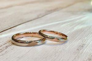桜をデザインした結婚指輪