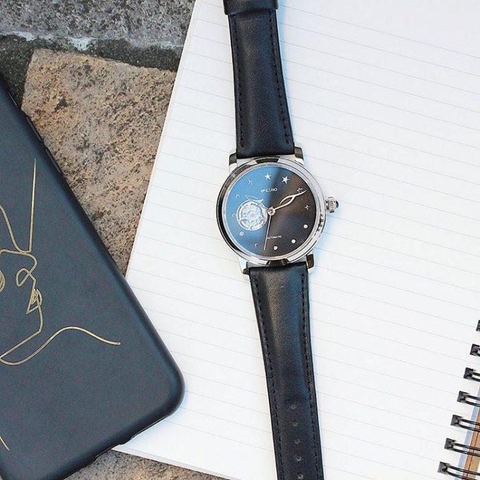 星モチーフのカスタム時計
