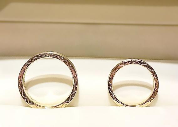 太陽モチーフの結婚指輪